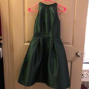 Dresses & Skirts - Worn once!! Emerald green cocktail dress